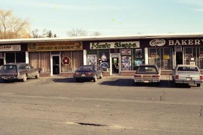Music Shoppe exterior, Burlington MA